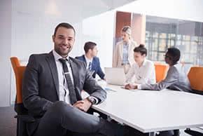 Rechtsschutzversicherung - Rechtsanwalt in einem Meeting