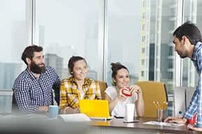 Büroversicherung - Bürogespräch