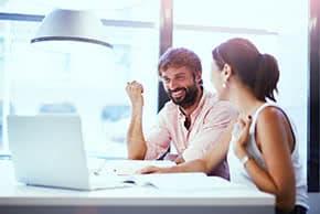 Firmenversicherung - Geschäftsgespräch