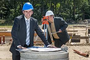 Berufshaftpflichtversicherung Bauingenieure – Bauingenieure auf der Baustelle