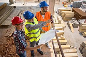 Berufshaftpflichtversicherung Bautechniker – Bautechniker auf der Baustelle