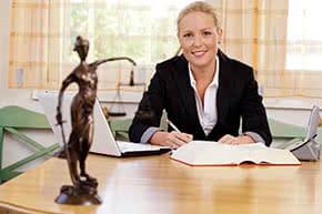 Berufshaftpflichtversicherung Notar – Notarin in Kanzlei