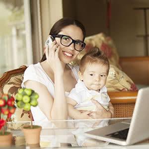 Berufshaftpflichtversicherung Tagesmütter - Tagesmutter informiert sich