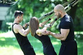 Betriebshaftpflichtversicherung Personaltrainer – Training im Park