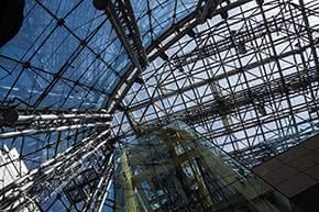 Glasversicherung -  Moderne Glas-Architektur